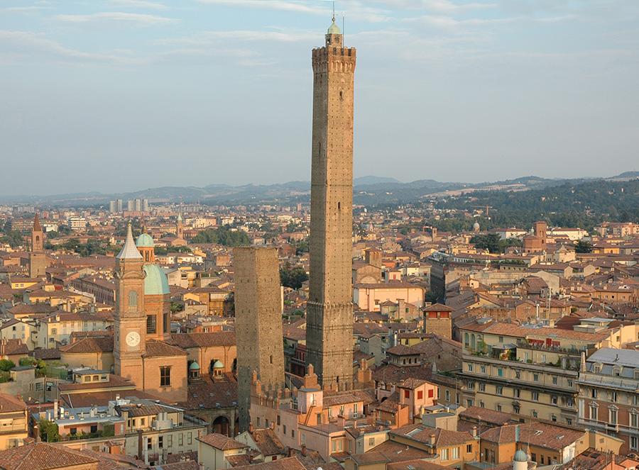 Transfer a Bologna col servizio di noleggio con autista
