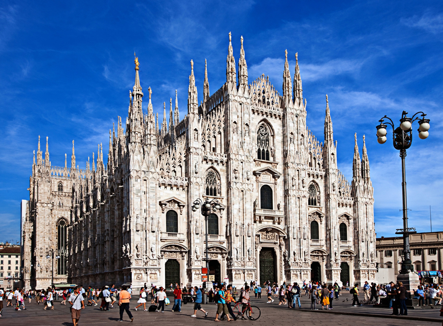 Transfer a Milano e al Castello Sforzesco servizio di noleggio con conducente (N.C.C.)